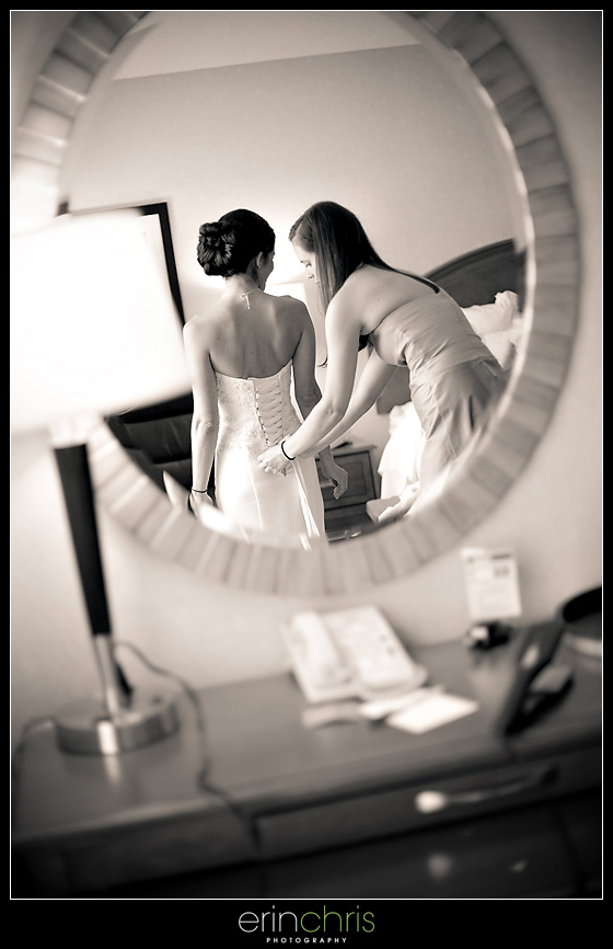 bride getting ready for her wedding at the tampa marriott waterside